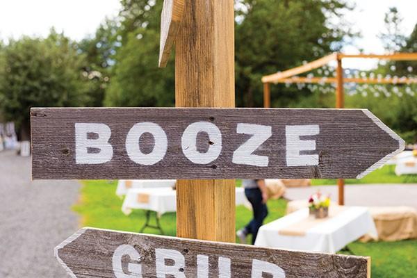 on-the-rocks-wedding-bar